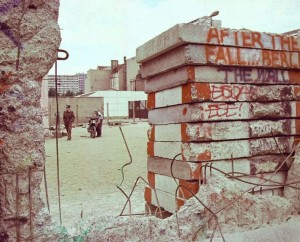 Berlin Wall hole Jurek Durczak